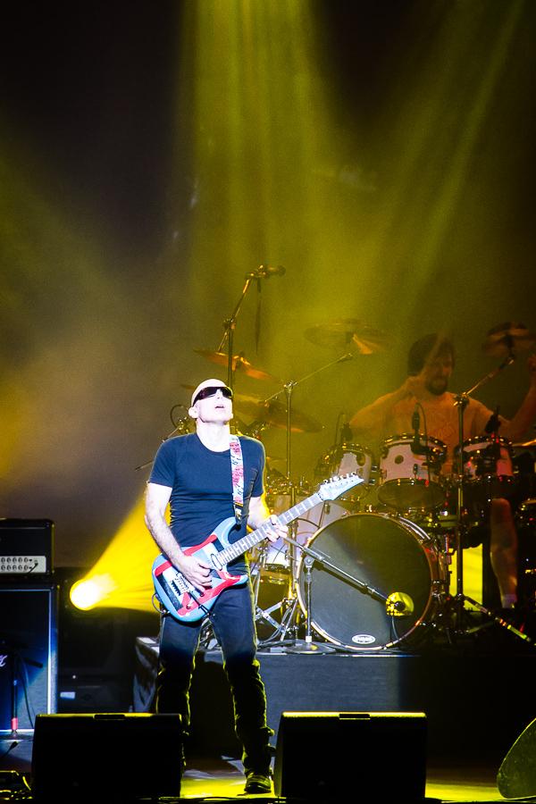 Joe Satriani (2013) Oakland, CA, USA ISO 2000, f/5.6, 1/60sec